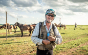 American becomes oldest winner of world's longest horse race