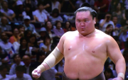 Hakuho withdraws from July tourney