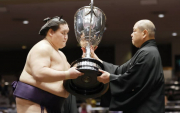 Terunofuji continues Mongolians dominance in Japanese professional sumo