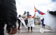 Mongolians welcome Wang Yi with peaceful demonstration