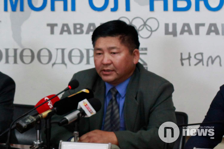 Монголын Вагоны мэргэжилтнүүдийн холбооны тэргүүнЛ.Болд