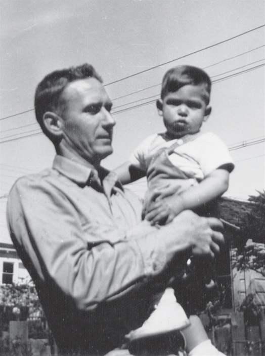 Стив Жобс 2 настай байхдаа, Өргөж авсан эцгийн хамт