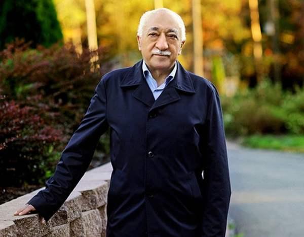 Фетхуллах Гюлен бол Исламын шашин судлаач, номлогч, нийгмийн зүтгэлтэн юм