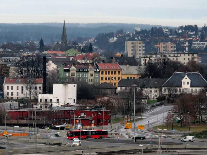 Норвеги 2040 оноос зөвхөн цахилгаан автомашин худалдана.