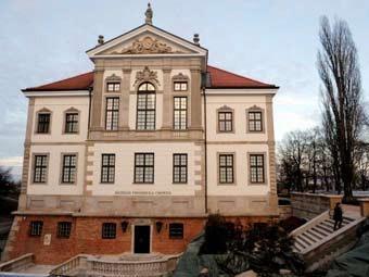 Варшавт Шопений музей нээгдлээ