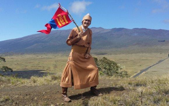 Монгол бадарчинд асуултуудаа хvргvvлэх нь