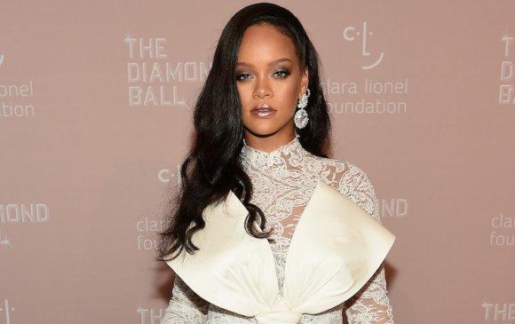 Rihanna дууныхаа үгэнд онцгой анхаардаг