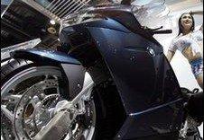 BMW 122,000 мотоциклээ засварт дуудлаа