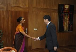 Энэтхэгийн уул уурхайн салбарын төлөөлөгчдийг хүлээн авч уулзав
