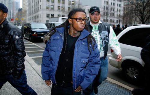 Lil Wayne дахин шоронд суухаар болов
