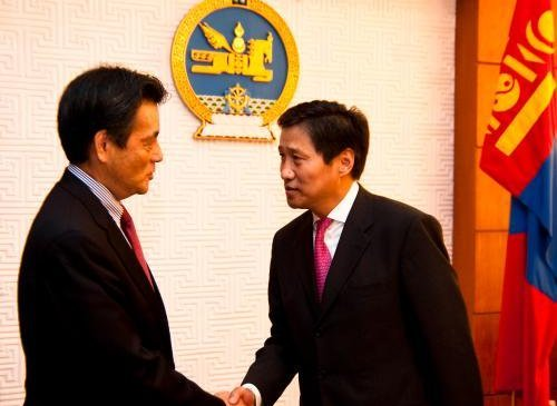 Японы Гадаад хэргийн сайдыг хүлээн авч уулзав