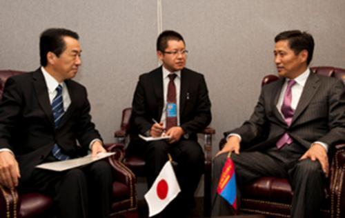 Японы Ерөнхий сайдтай уулзав