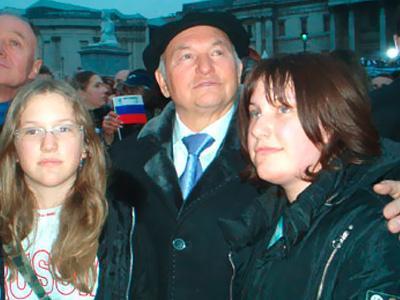 Юрий Лужков охидынхоо төлөө айж байна