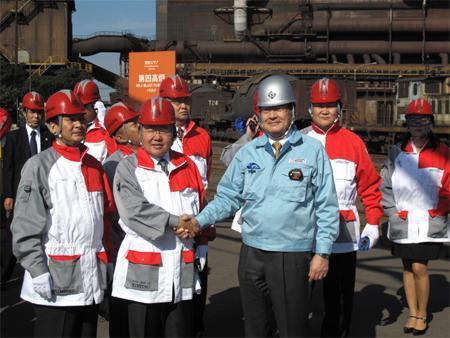 Ерөнхийлөгч Японы үйлдвэрүүдтэй танилцав