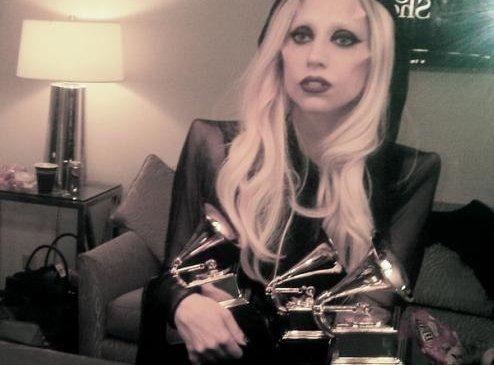 Лэди Гага гурван Грэммийн эзэн боллоо