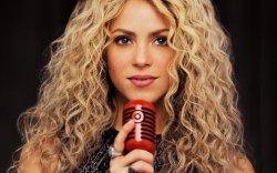 Шакира Латин Америкийн Грэммийн шагнал хүртэв