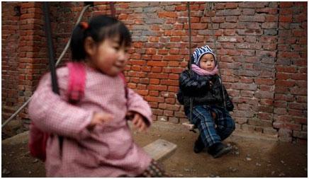 Хятад хүн амын бодлогоо зөөллөв