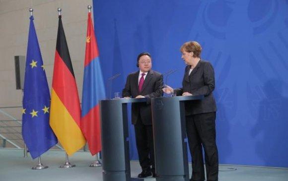 Ц.Элбэгдорж, А.Меркель нар мэдээлэл хийлээ