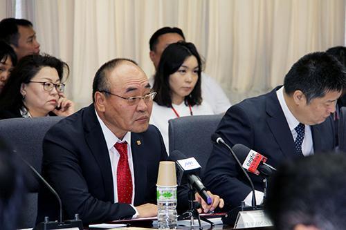 """Аж үйлдвэрийн сайд Д.Эрдэнэбатын """"Монгол-Японы Засгийн газар, хувийн хэвшлийн хамтарсан VII зөвлөлдөх уулзалт""""-ыг нээж хэлсэн үг"""