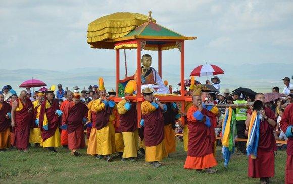Өндөр гэгээнтнийг монголчууд эргэн дурслаа