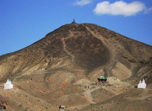 Хүслийг биелүүлэгч Хан Баянзүрх уул