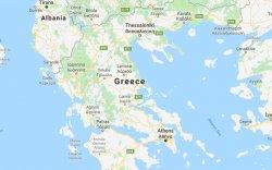 Грек, Македоны хил дээр мөргөлджээ