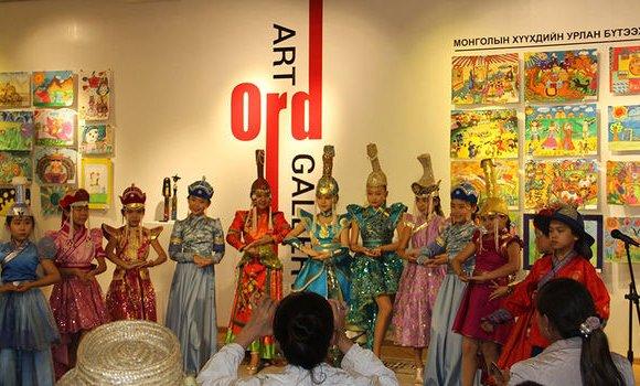 Олон улсын хүүхдийн уран бүтээлийн наадмын нээлт боллоо