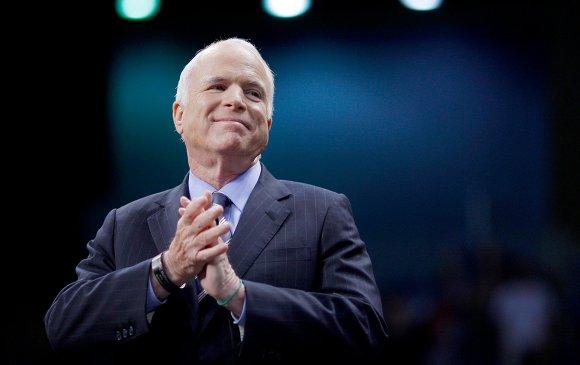 Маккейн Орос дахь америкийн дипломатуудын тоог цөөлснийг тайлбарлав