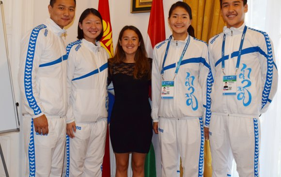 Дэлхийн усан спортын АШТ-д оролцсон тамирчдыг хүлээн авч уулзав