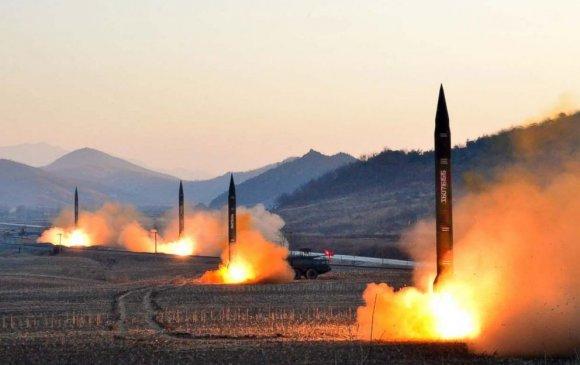 Хойд Солонгос шинэ пуужингаа танилцуулав