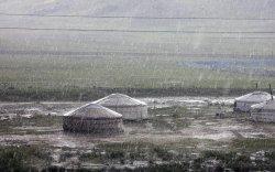 Цаг агаар: Ойрын өдрүүдэд ихэнх нутгаар нойтон цас, бороотой