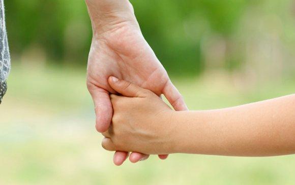 """""""Хүүхэдтэйгээ зөв харилцаатай байж, сэтгэлээсээ хайрлах хэрэгтэй"""""""