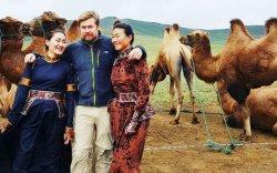 Европын 12 орноор тэмээтэй аялна