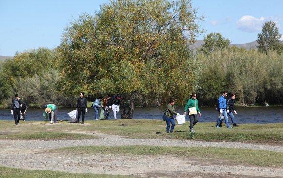 Туул гол орчмын хогийг цэвэрлэлээ