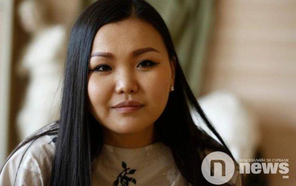 Монголын анхны талбайн уран барималч