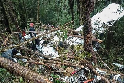 12 настай хүү онгоцны ослоос амьд үлджээ