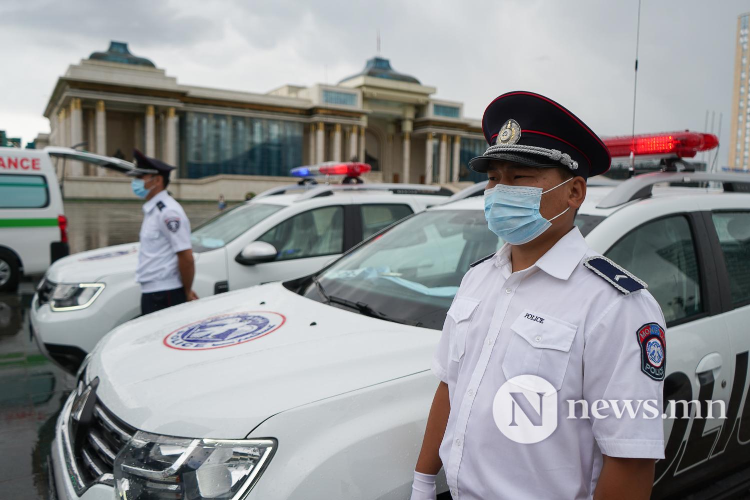 Нийслэлийн эрүүл мэнд, цагдаагийн байгууллагад 92 автомашин гардуулж байна (38 of 45)