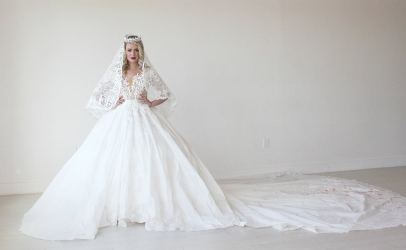 toilet-paper-wedding-dress-today-180604-main_cab9f5d53674ab195175936cff5518fe.fit-2000w