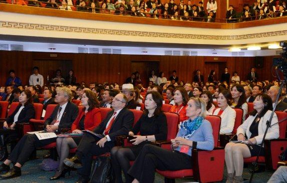 Х.Баттулга Нобелийн шагналтны эрдэм шинжилгээний хуралд оролцогчдод илгээлт хүргүүлэв