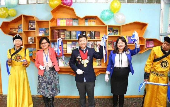 ХХБ: 13, 28, 72-р сургуулиудын номын санг тохижуулж өглөө