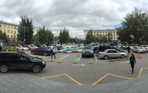 Автомашины зогсоолуудыг иргэдэд зориулсан амарч зугаалах орчин болгон тохижуулна