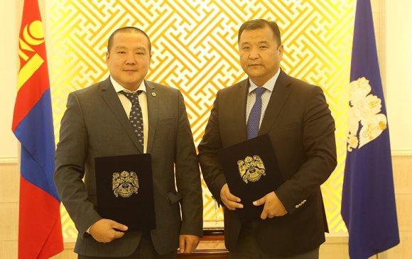 Монголын хуульчдын холбоотой хамтран aжиллах гэрээнд гарын үсэг зурлаа