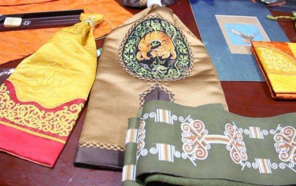 Монгол Улсын уран хатгамалтанг тодруулна