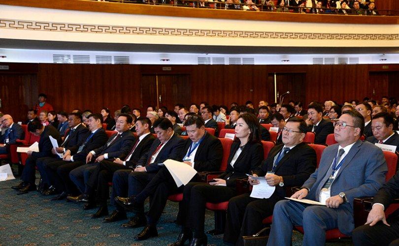 Ерөнхийлөгч Төрийн албаны удирдах ажилтны улсын зөвлөгөөнд оролцогчдод илгээлт явууллаа