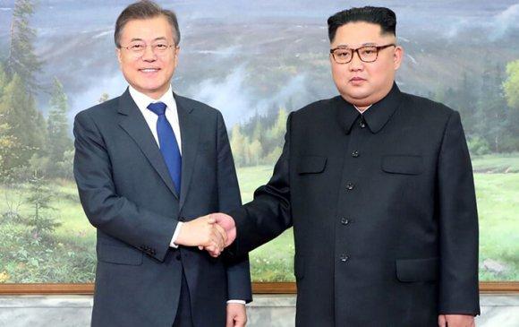 Хоёр Солонгосын удирдагч нар уулзаж байна