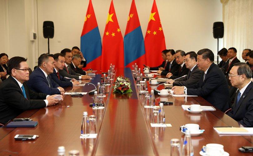 Ерөнхийлөгч Х.Баттулга БНХАУ-ын дарга Си Жиньпинтэй уулзлаа