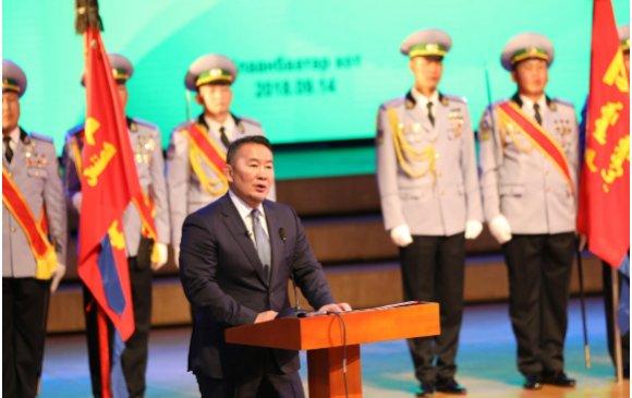 Монгол эх орны хилийн анги, салбар бүхний бахархалт үүрэг, дайчин үйлсэд халуун талархал илэрхийлье