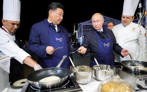 Путин, Си нар хоол хийх ур чадвараа гайхууллаа