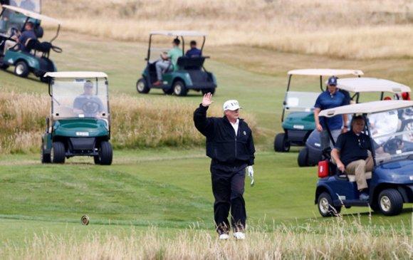 Маккейнд зориулж Трамп гольф тогложээ