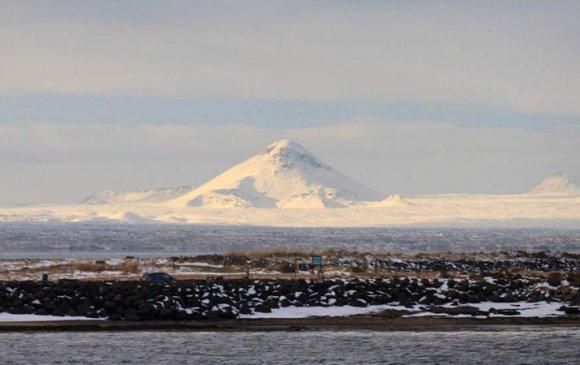 Катла галт уул дэлбэрэхгүй
